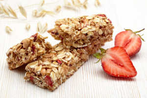 photodune-3139450-granola-bar-m